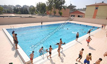 Batıpark Açık Yüzme Havuzu